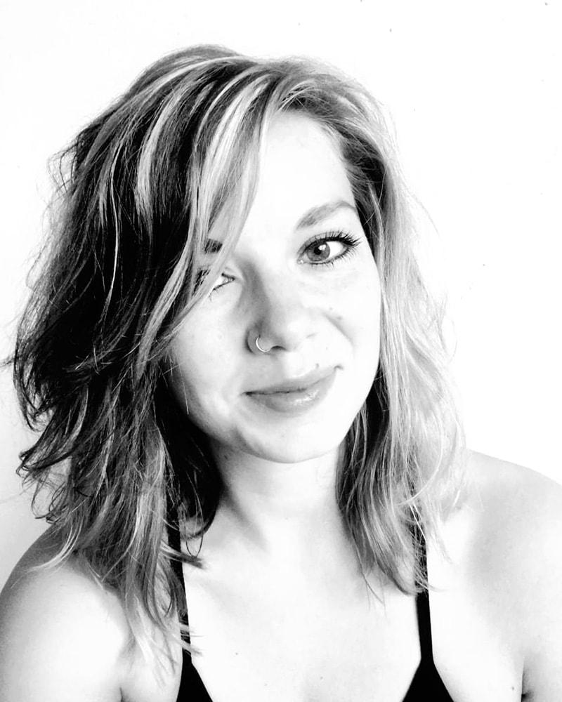 Anna vom Präventionskurse Online-Team